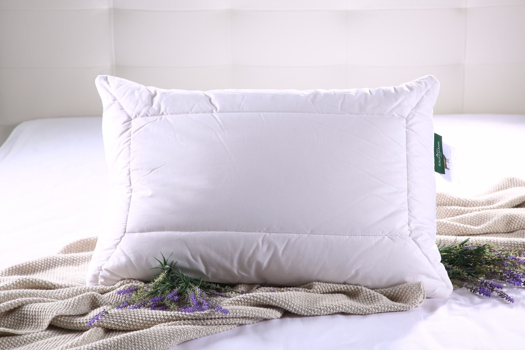 Kvalitetan i elegantan jastuk