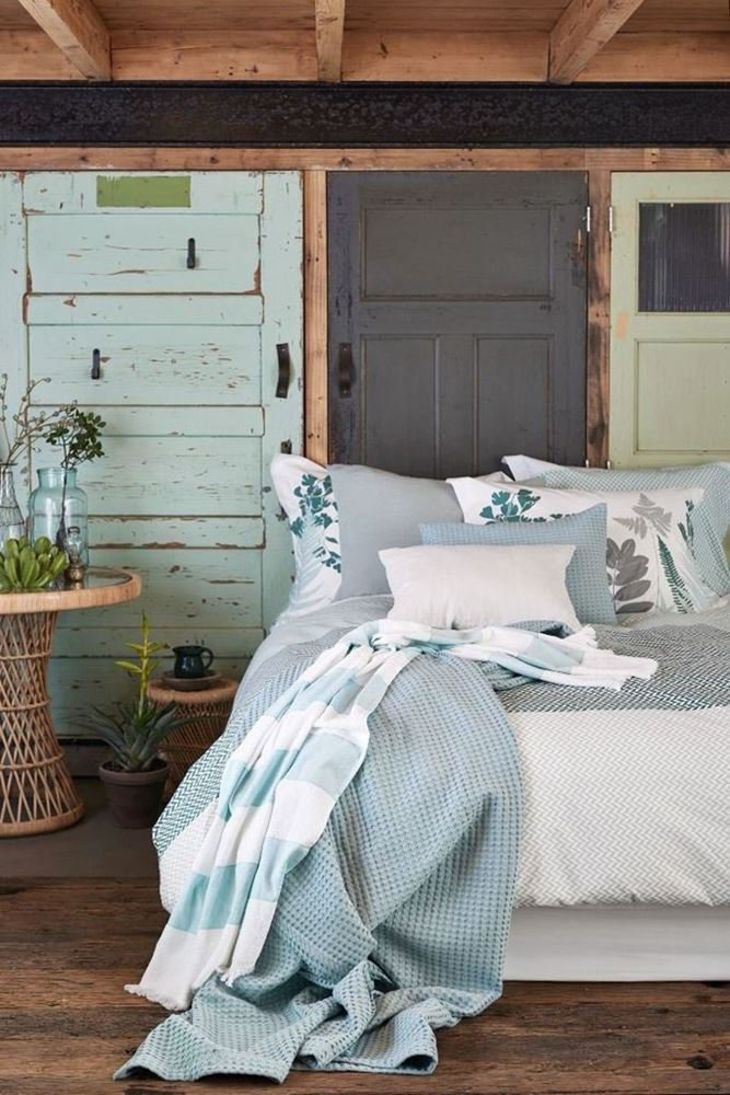 Ponuda posteljina i jastuka