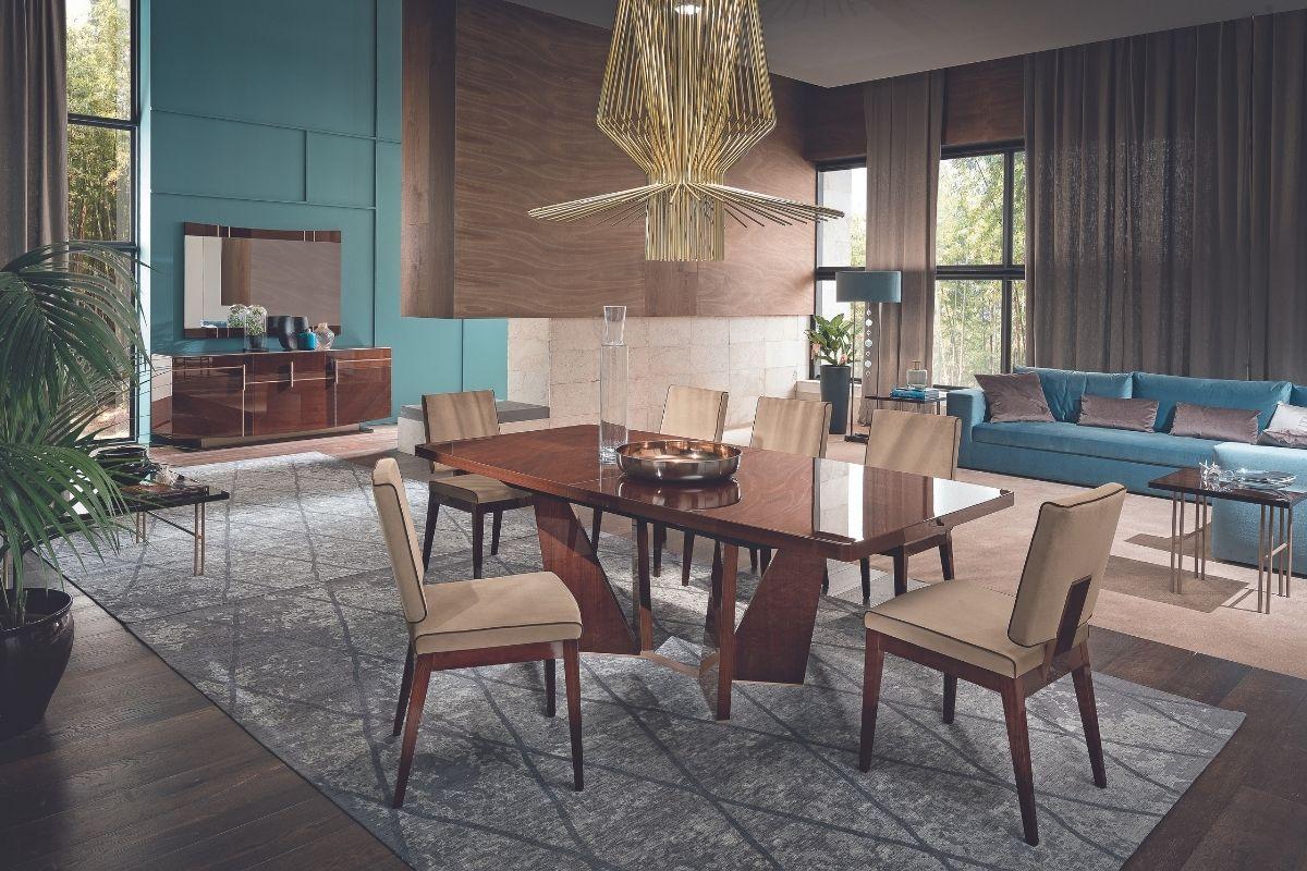luksuzan blagovaonski set
